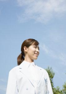 ハローワークを活用し法律事務所職員から介護職員へ転職(30代女性)