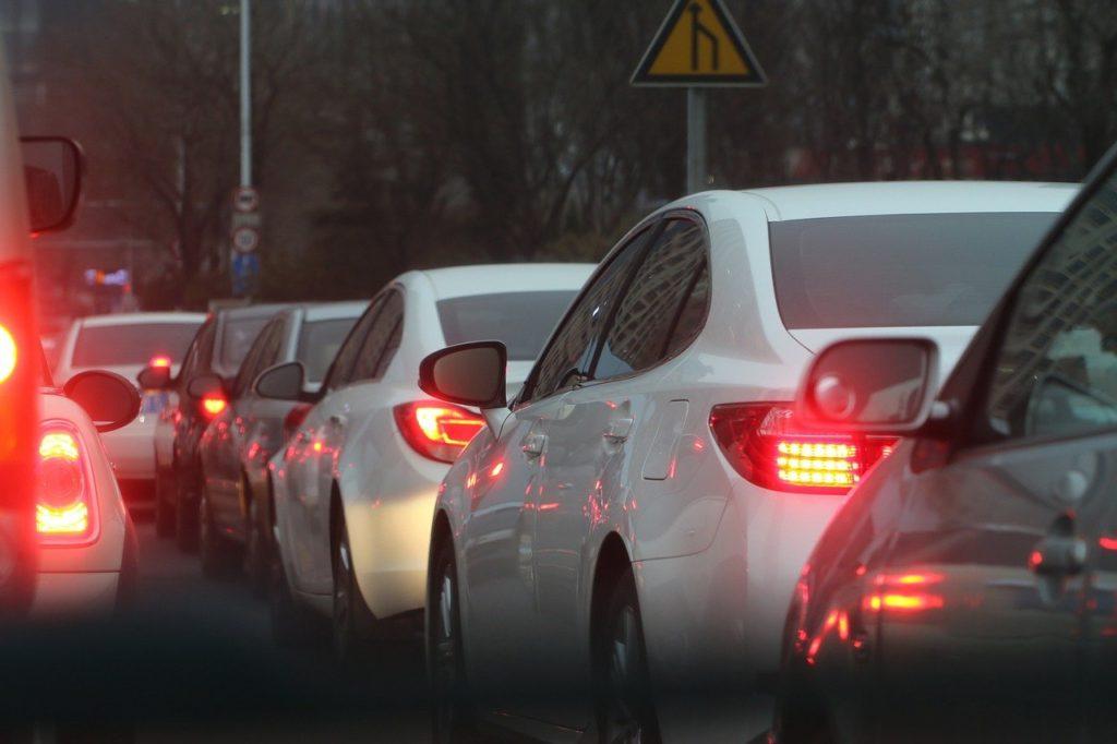 【短期バイト体験談】渋滞調査バイトのやり方は?女性でもできる?